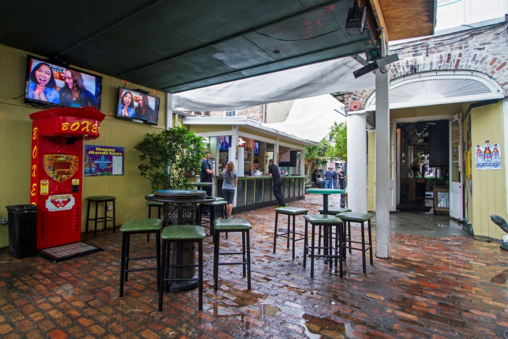 the swamp on bourbon street's courtyard pavilion